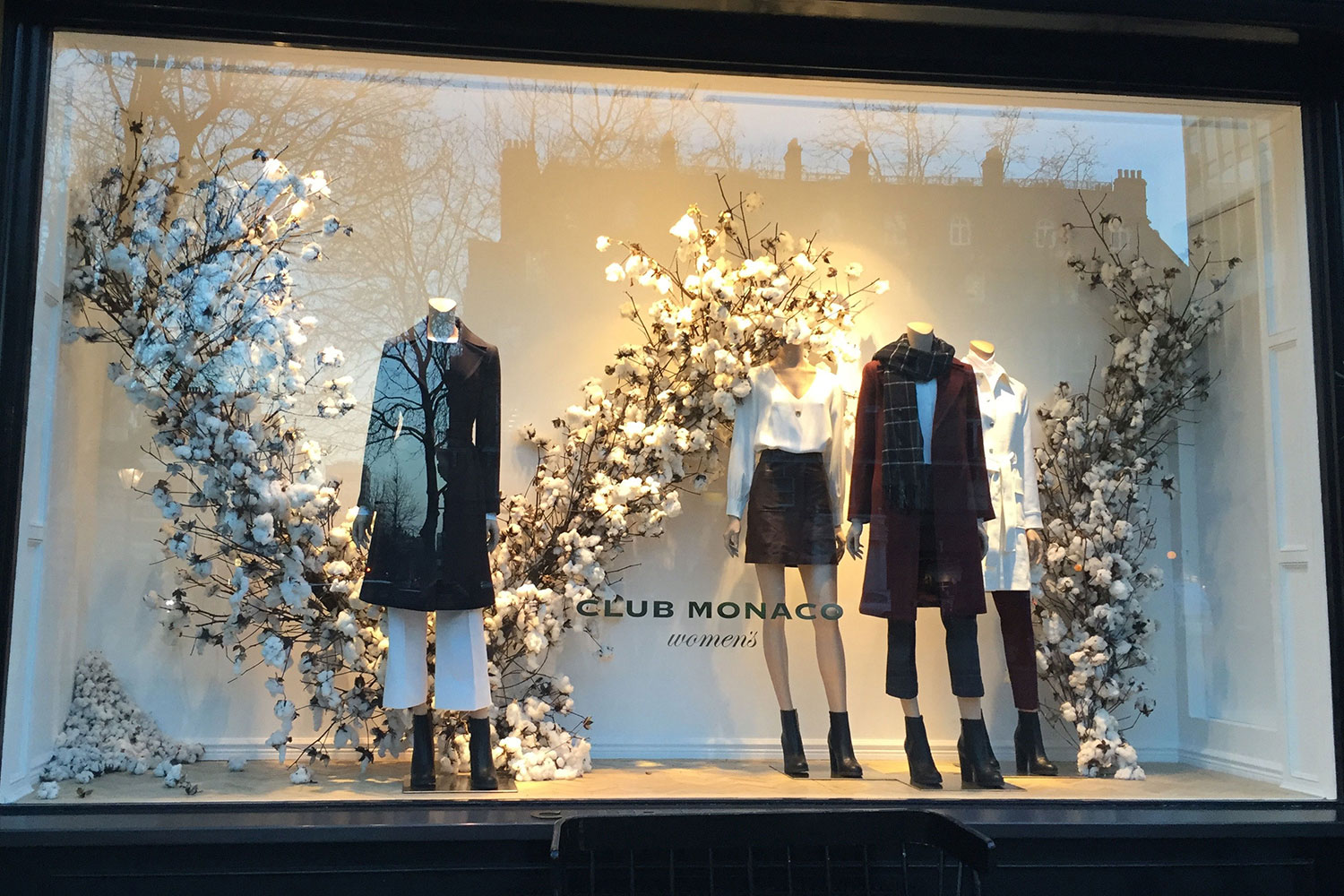 Christmas Door Decoration Ideas Windows Displays From London Hrh Creative
